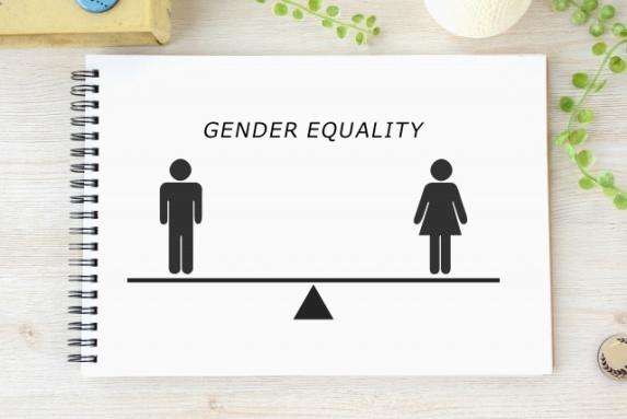 英語 男女 差別